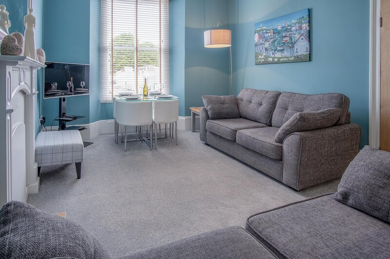 Flint House - 2 Bedroom Apartment - Tenby, alquiler de vacaciones en Tenby