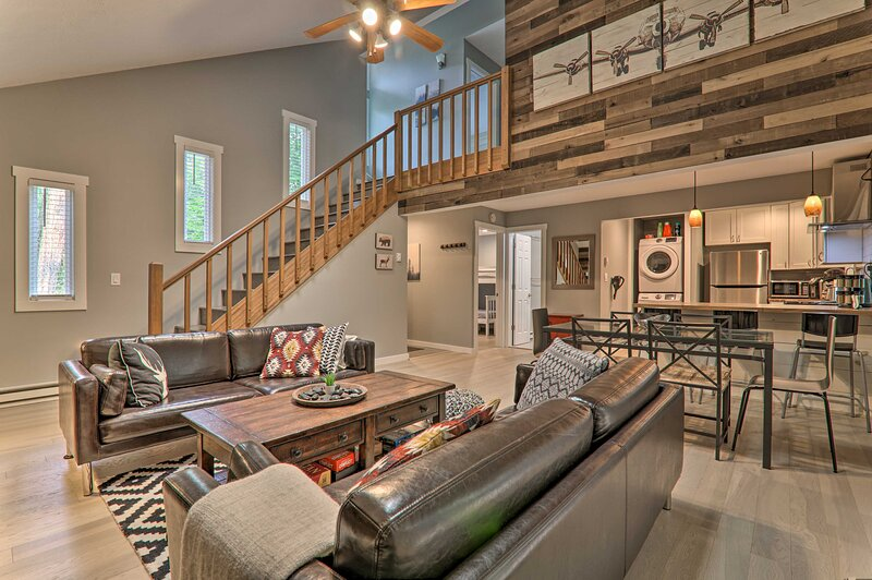Upscale Tobyhanna Cabin w/ Resort-Style Amenities!, vacation rental in South Sterling