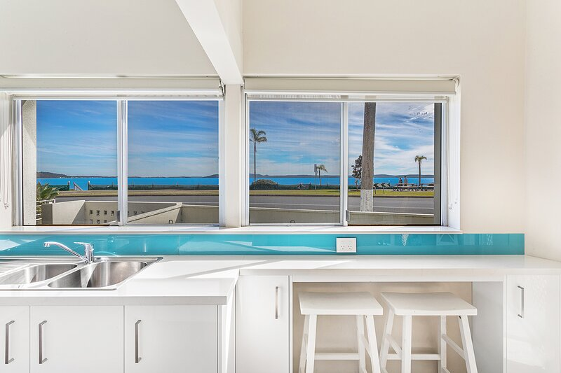 Bayview Towers Unit 13 Victoria Parade 15, holiday rental in Nelson Bay