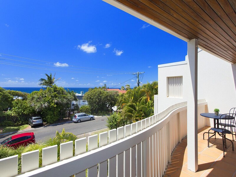 Karoonda 2 Crank Street 16, holiday rental in Sunshine Beach