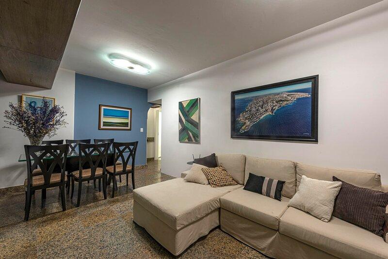 Familial Apartment in Graça, Salvador - SSA006, alquiler vacacional en Vera Cruz