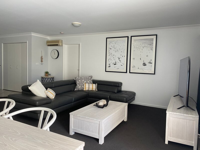 Seashells Apartment 9 Magnus Street, holiday rental in Nelson Bay