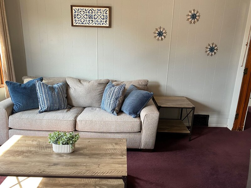 Furnished Private 2 Bedroom Apartment, holiday rental in Hannibal