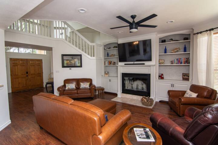 New! The Lodge on Lake Whitney! 3 Bedroom, 2.5 Bathroom Water Front Property on, casa vacanza a Clifton