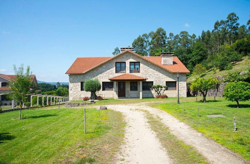 Villa ideal para descansar y relajarse en el campo, alquiler vacacional en Mos