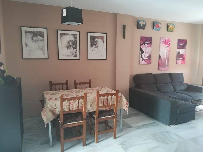 Apartamento En La Mejor Zona De La Ciudad, holiday rental in Torre Melgarejo