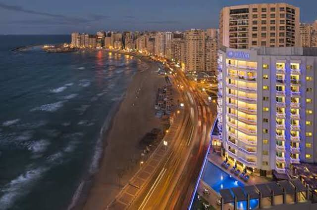 luxury apartment in CBD directly amazing beach view with unforgettable nightlife, location de vacances à Gouvernorat d'Alexandrie