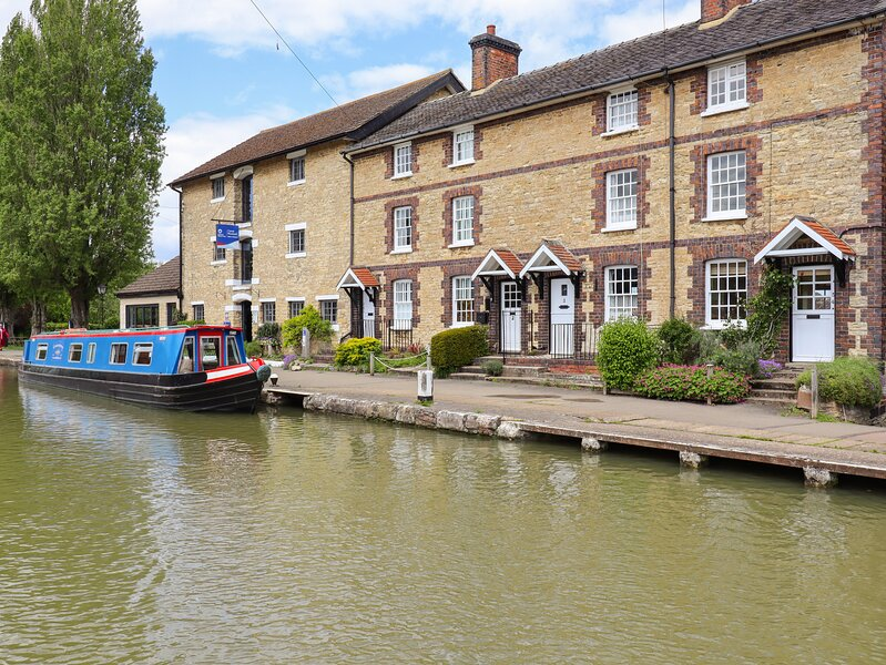 4 Canalside Cottages, Roade, holiday rental in Blisworth