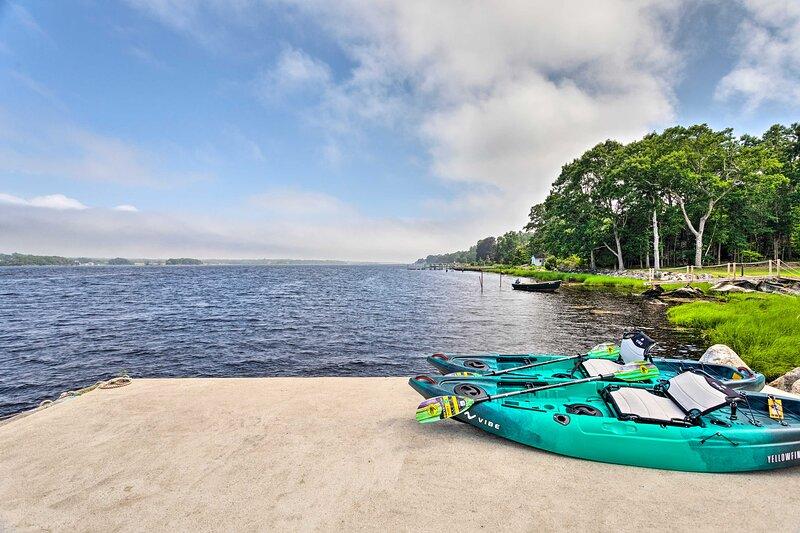 NEW! Coastal Westport Cottage: Paddle the Bay!, location de vacances à New Bedford