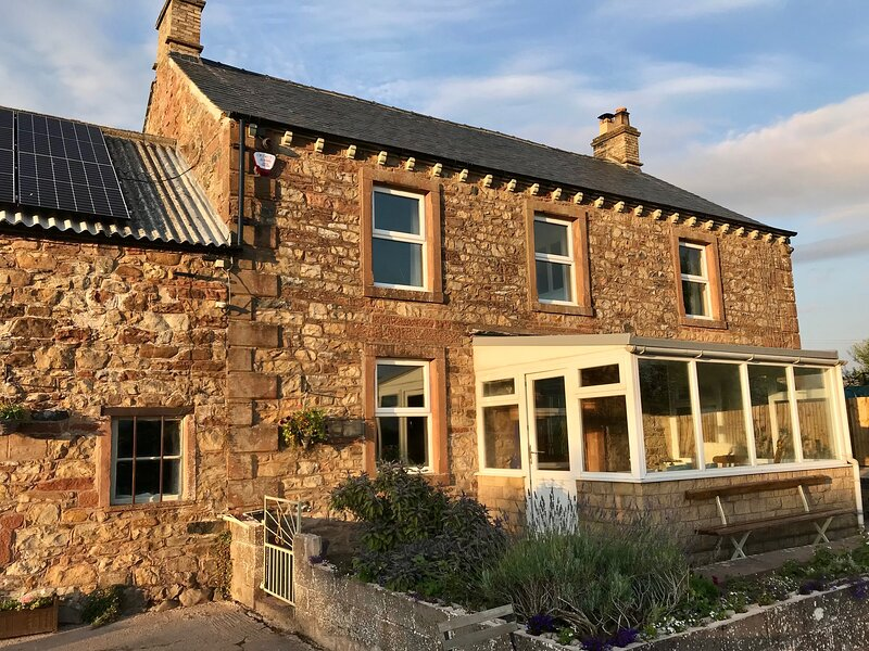 Spacious Former Farmhouse with stunning views in a picturesque village setting, holiday rental in Penrith