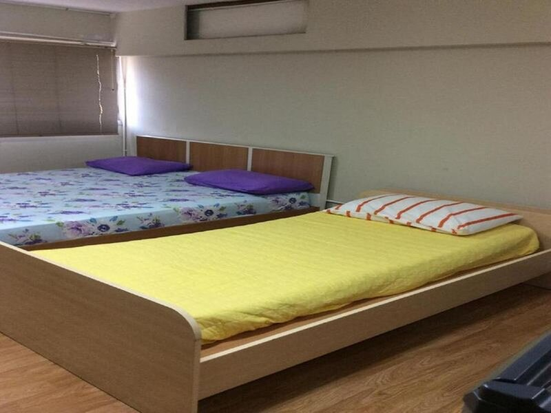 Thailand Taxiapartment Hostel, air conditioning and free Wifi, location de vacances à Nonthaburi