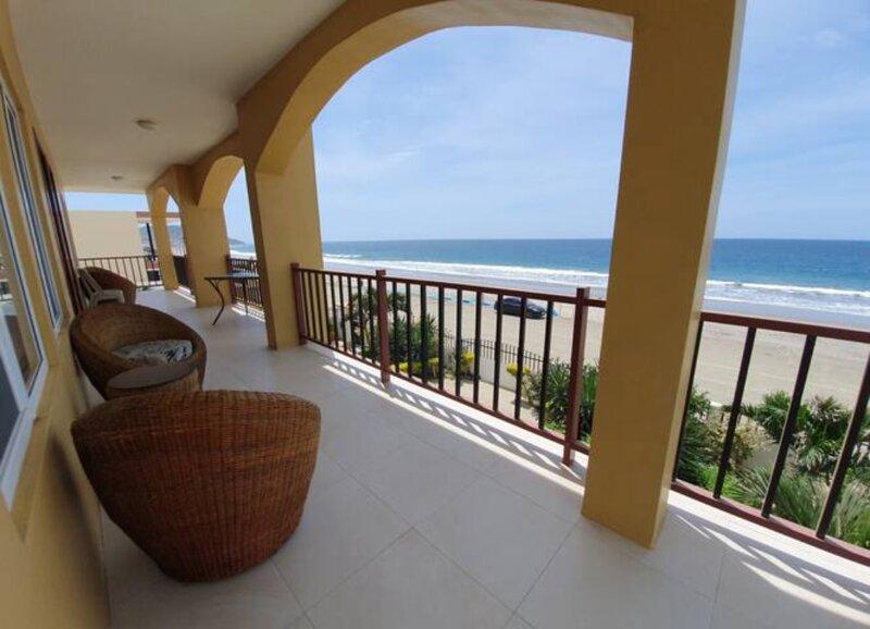 Beso del Sol Beachfront Apartments, alquiler vacacional en Santa Marianita