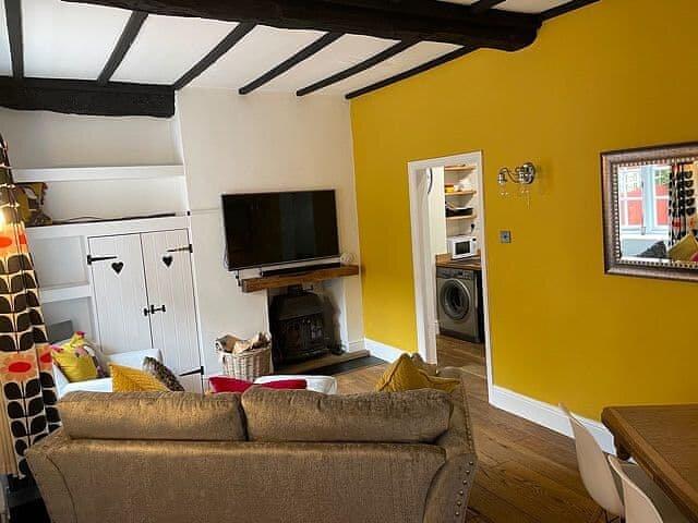 Bridge Cottage, holiday rental in Barwick
