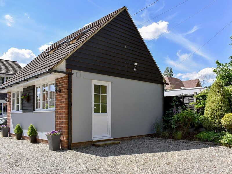 Riara Lodge, holiday rental in Leigh-on Sea