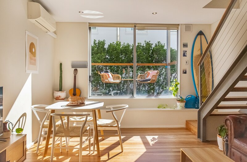 Lockdown in style   Loft at 79 Gould St, holiday rental in Dover Heights