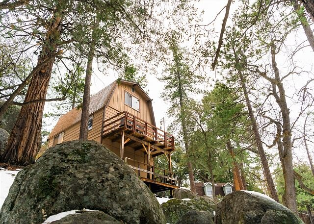 Welcome to Scout's Hideaway! This modern boho-chic cabin is a dream w/views, holiday rental in San Jacinto
