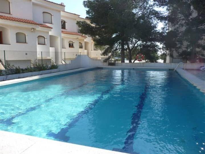 BONITA CASA ADOSADA EN MIAMI-PLAYA (Tarragona) 7 personas, holiday rental in Montroig