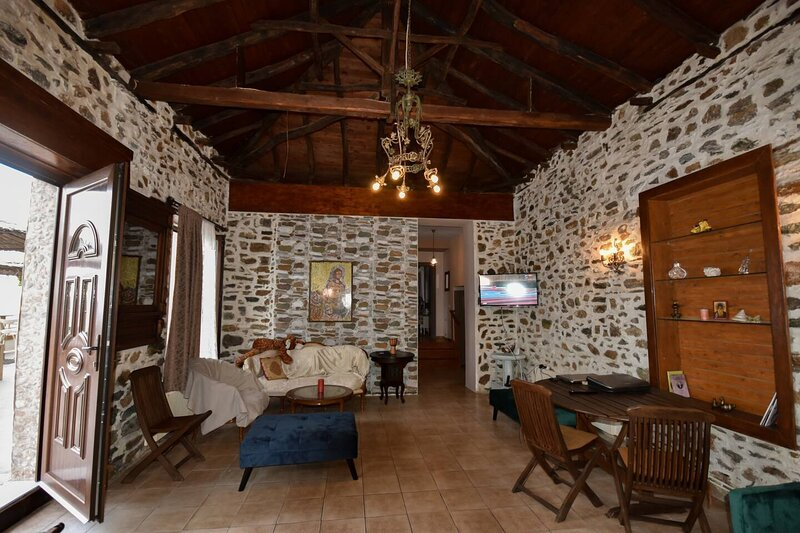 Villa in Malaki in Sea With PlayGround, holiday rental in Ano Lechonia