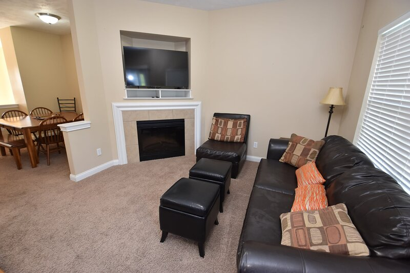4 bedroom 3.5 bath townhome mins to Notre Dame Unv., vacation rental in Saint Marys  Saint Joseph County
