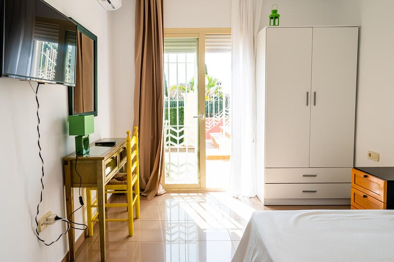A&N Cadiz, holiday rental in Almayate Alto