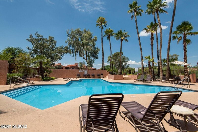 Secluded Ground Floor Vacation Rental (Minimum 30 day lease), holiday rental in Tucson