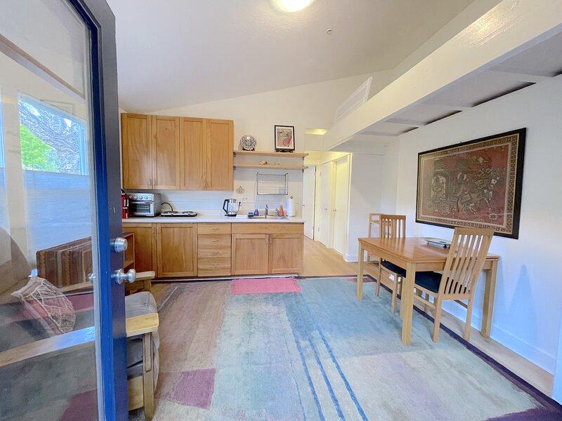 Cozy Cottage near UCSC ideal for work and fun!, location de vacances à Bonny Doon
