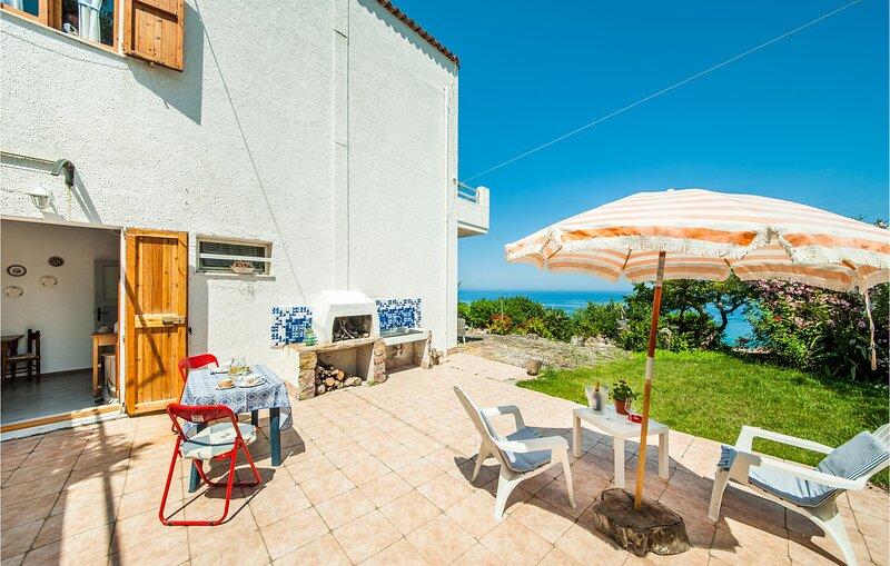 Stunning home in Castelsardo with 1 Bedrooms (IGG221), casa vacanza a Punta de su Torrione