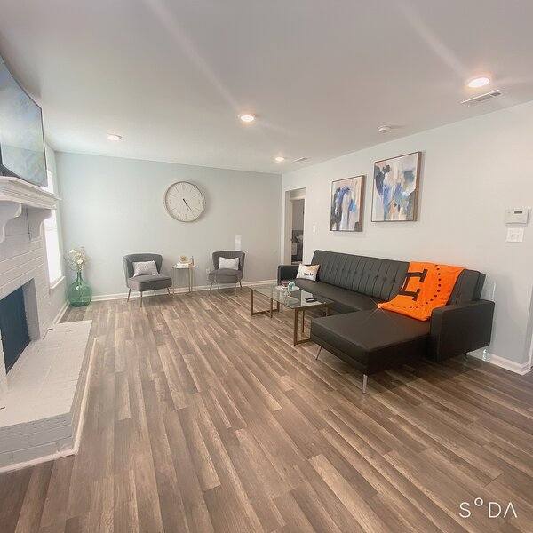 ✨New Renovated⚡️Mins to Norcros/Duluth-TnP Retreat, holiday rental in Lawrenceville