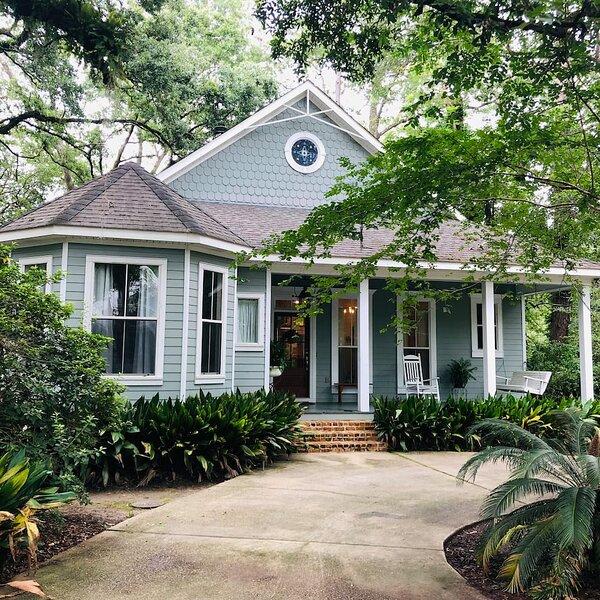 Southern Oaks Guest House - Historic Abita Springs, alquiler de vacaciones en Covington