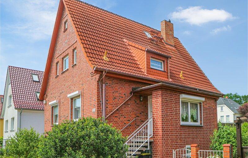 Beautiful home in Warnemünde with WiFi and 2 Bedrooms (DMK884), vacation rental in Diedrichshagen