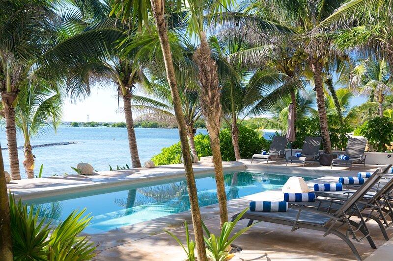 Riviera Maya Haciendas - Hacienda Corazon Beach Front 7-10 BR, FULLY STAFFED!, holiday rental in Puerto Aventuras