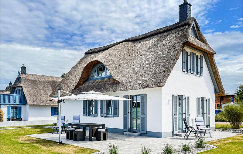 Stunning home in Boiensdorf with WiFi and 2 Bedrooms (DMK881), vacation rental in Blowatz