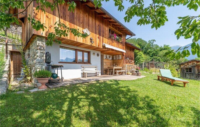 Stunning home in Telve di Sopra with 2 Bedrooms (IDD351), location de vacances à Borgo Valsugana
