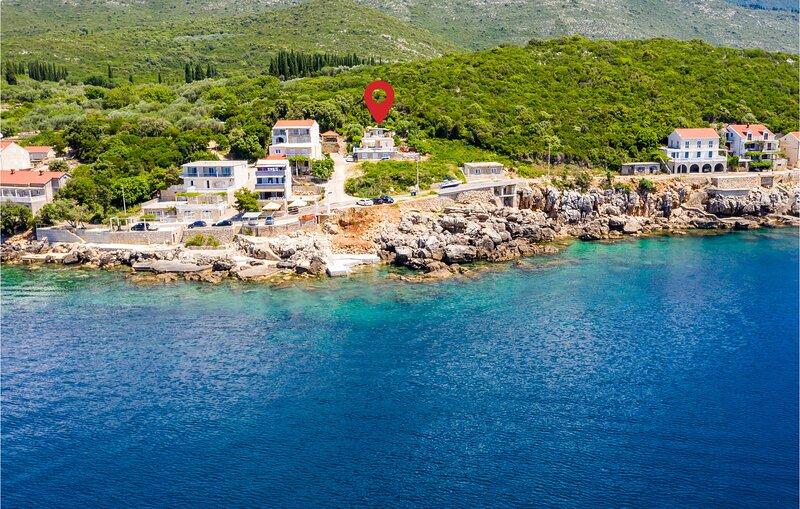 Nice home in Gruda with WiFi and 1 Bedrooms (CDD661), alquiler de vacaciones en Molunat