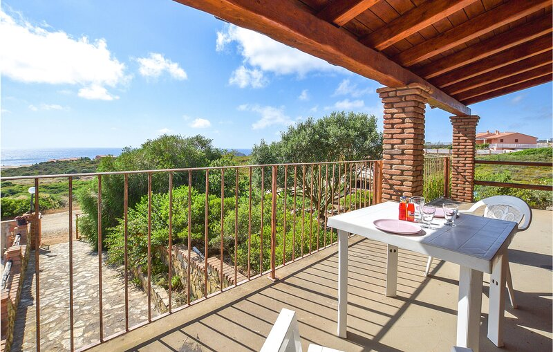 Stunning home in Arbus with 2 Bedrooms (IGO078), location de vacances à Terralba