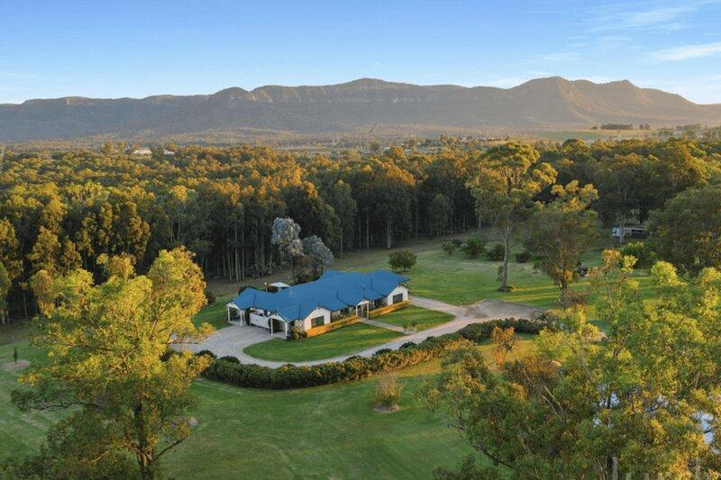 Banksia Suite at The Grange - Rothbury Hunter Valley, holiday rental in Broke
