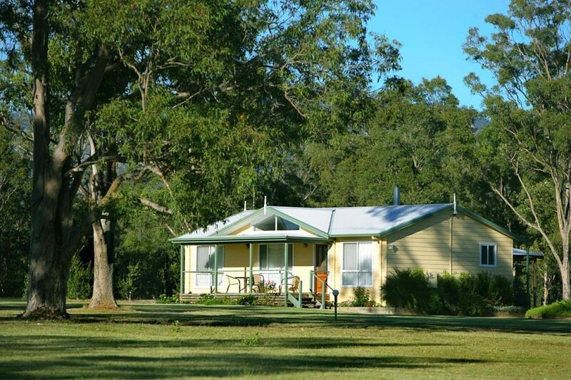 Lilly Pilly Cottage at The Grange, holiday rental in Broke
