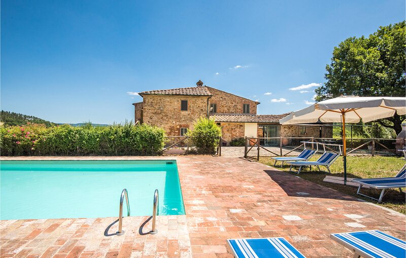 Stunning home in Belforte - Radicondoli with Outdoor swimming pool, WiFi and 4 B, vacation rental in Travale