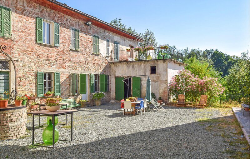 Awesome apartment in Montaldo Bormida with 1 Bedrooms (IPL269), casa vacanza a Carpeneto