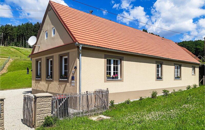Stunning home in Inzenhof with WiFi and 1 Bedrooms (ABU179), alquiler de vacaciones en Eberau