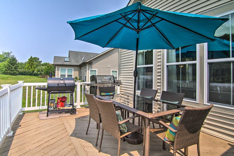 NEW! Chic Ocean View Home ~ 5 Mi to Bethany Beach!, holiday rental in Millsboro