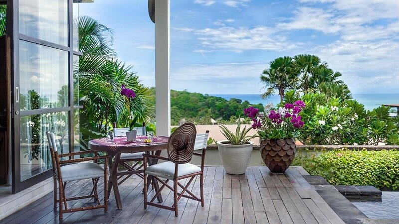 LARGE GROUPS, 11 BDR, NR BEACH, GREAT INCLUSIONS, holiday rental in Kedonganan