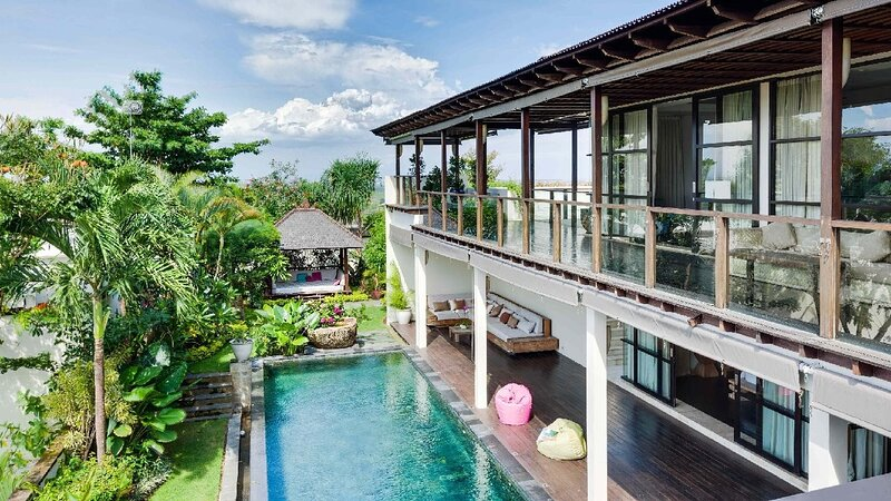 11 Bdr-Last Minute Deal 50%+ OFF!!! Jimbaran, holiday rental in Kedonganan