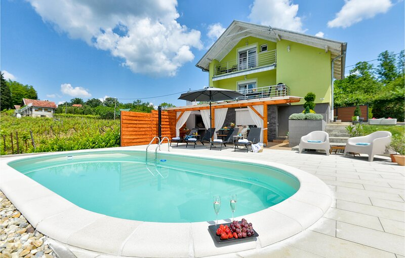 Amazing home in Popovaca with Outdoor swimming pool and 2 Bedrooms (CCS049), holiday rental in Potok