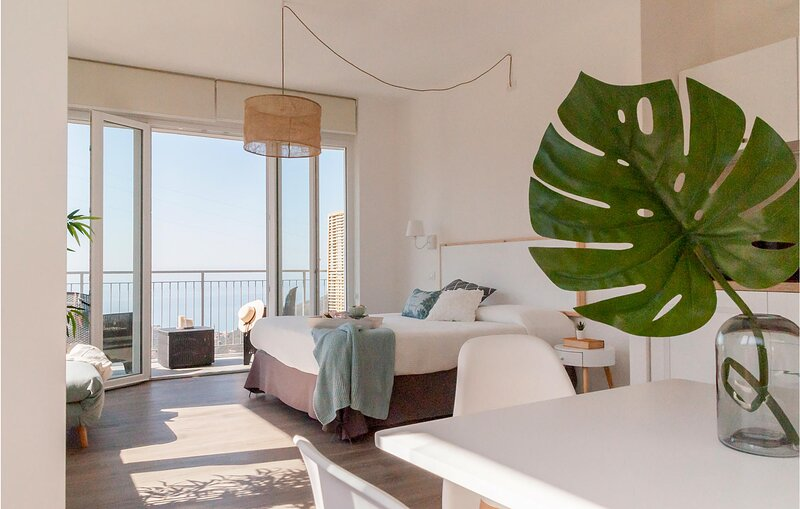 Stunning apartment in Moneglia with WiFi (ILL825), holiday rental in Tavarone