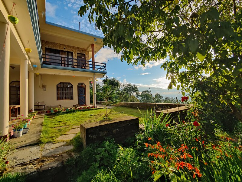The first man of kasar Ram Singh Homestay, casa vacanza a Jageshwar