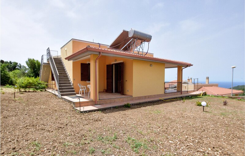 Stunning home in Tresnuraghes with 4 Bedrooms (IGO074), holiday rental in Scano di Montiferro