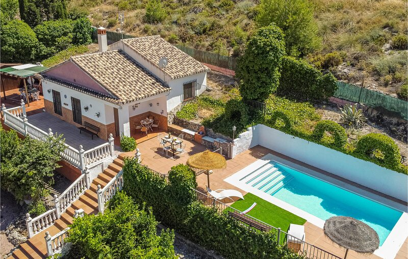 Amazing home in Padul with Outdoor swimming pool, WiFi and 2 Bedrooms (EAC571), vacation rental in Villamena