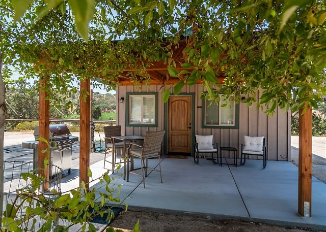 The Tack Room - Close to Wineries and 10 Minutes to Downtown Paso!, vacation rental in Creston