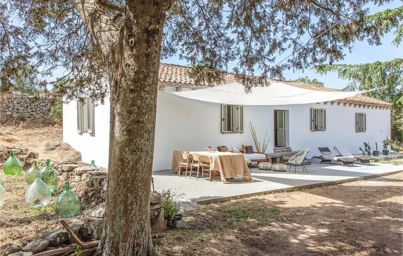 Nice home in Luogosanto with 2 Bedrooms (IGG248), holiday rental in Calangianus